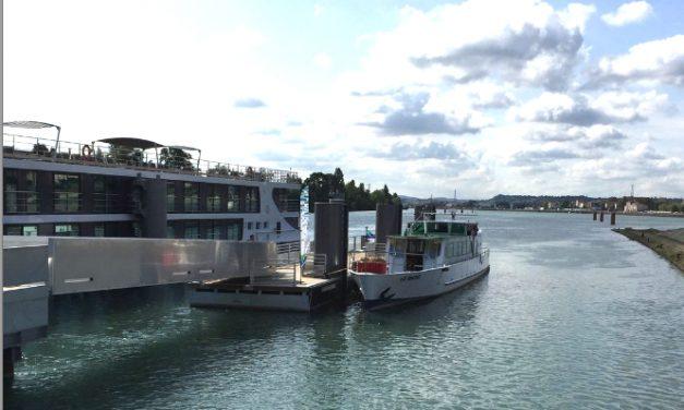 Lyon  accueillera au pied du Musée des Confluences les paquebots fluviaux circulant d'Arles à Saint-Jean-de-Losne