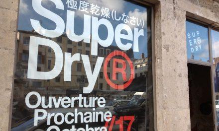 Une nouvelle enseigne premium de prêt-à-porter débarque à Vienne: «Superdry»