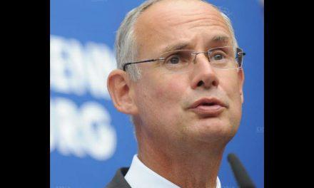 Limogé, l'ancien préfet Henri-Michel Comet déjà remplacé par Stéphane Bouillon, le préfet de Paca