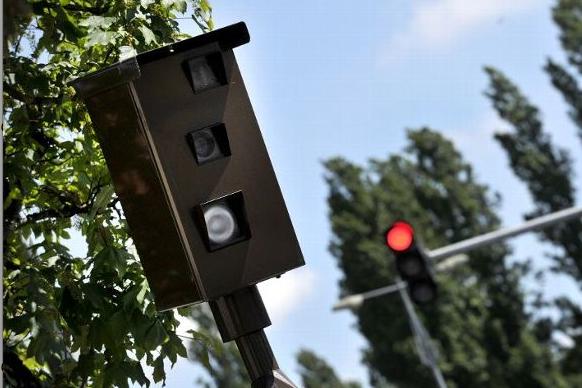 Nouveau à Lyon: un radar feu rouge à l'angle du cours Vitton et de la rue Garibaldi