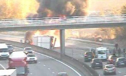 Camion en feu sur l'A7 : le chauffeur est mort carbonisé