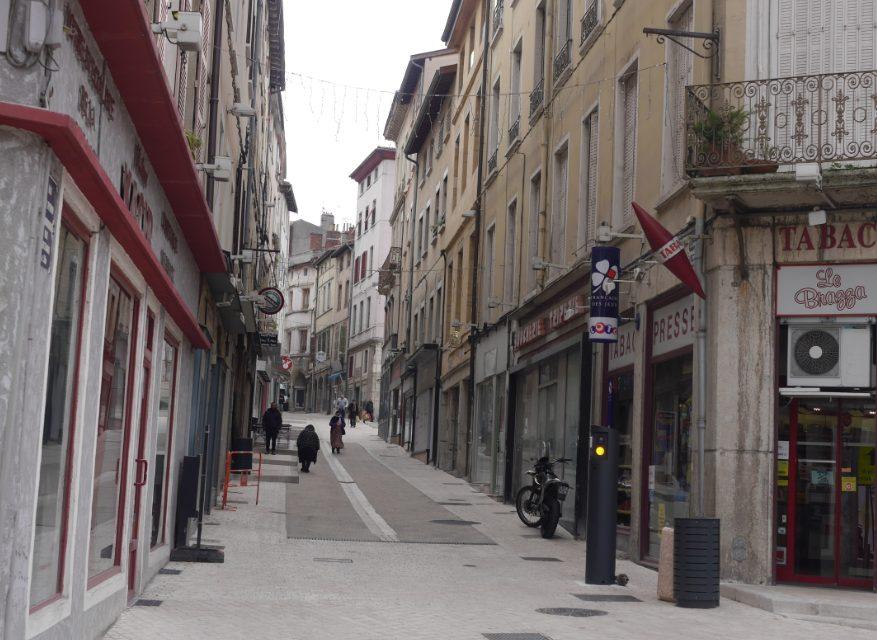 La rue Marchande réhabilitée, inaugurée: il ne reste plus qu'à la repeupler de magasins…
