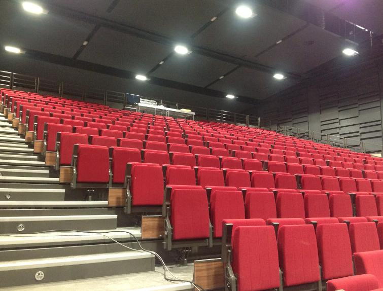 Elle a été inaugurée samedi: les premiers salons et spectacles de la salle du Manège