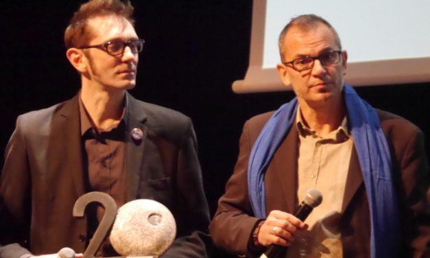Soirée de l'entreprise de la CCI à Vienne: la librairie Lucioles reçoit le trophée du commerce
