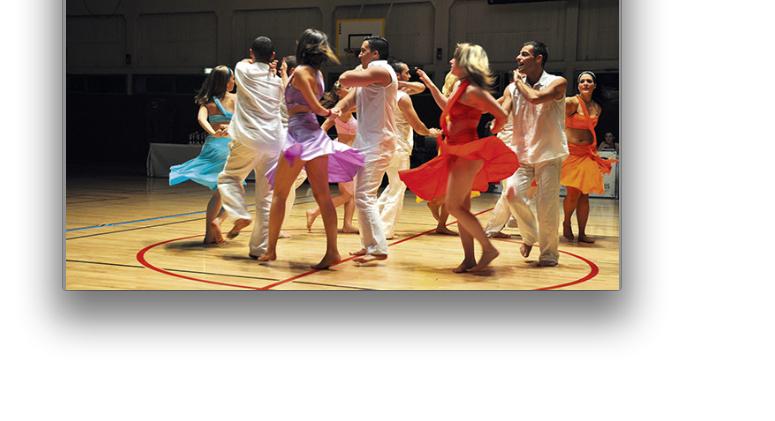 Début aujourd'hui du «Mondial»: Saint-Romain-en-Galentre dans la danse