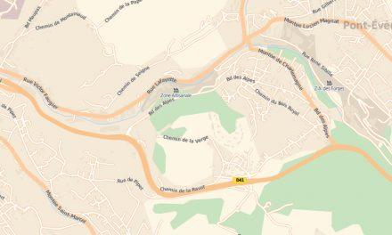 Collision de plein fouet sur le CD41 à Vienne: une femme enceinte grièvement blessée