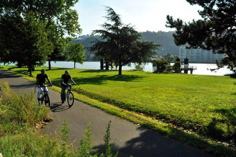 Samedi: la Fête du vélo devientVélo Village et  quitte Vienne pour traverser le Rhône