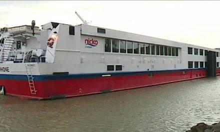 Un bateau de croisière heurte une pile du pont de Givors: les passagers évacués