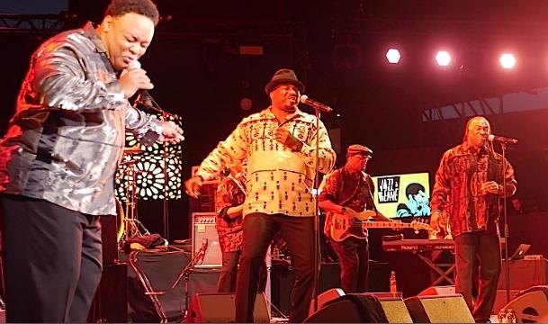 5 000 spectateurs au théâtre antique pour le retour des anciennes gloires du funk
