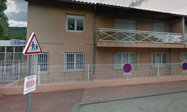 Fillettes mortes dans une gendarmerie à Limonest: la mère mise en examen pour assassinats
