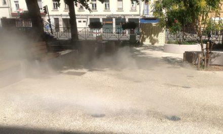 Nouveau: des brumisateurs installés place Saint-Louis à Vienne