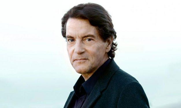 40 ans de carrière, toujours populaire: le concert de Francis Cabrel au théâtre antique de Vienne, complet