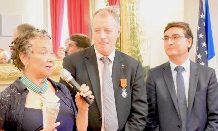 Rhoda Scott reçoit en mairie de Vienne la médaille de Commandeur de l'Ordre des Arts et Lettres