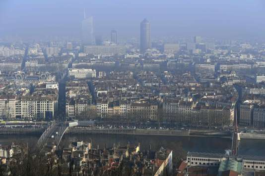 Avant-projet de loi sur un éventuel péage urbain: faudra-t-il payer 5 euros pour pénétrer dans Lyon?