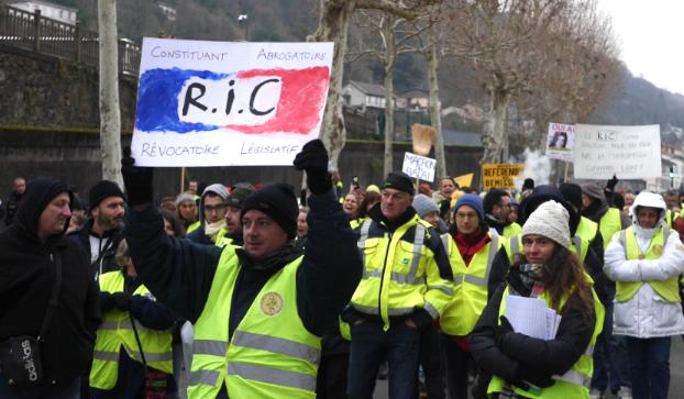 RIC et «gilets jaunes»: la députée Caroline Abadie ne viendra pas débattre à Saint-Clair-du-Rhône