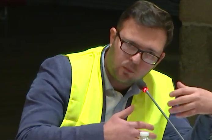 Quand le mouvement des gilets jaunes s'invite au conseil municipal de Vienne, via un conseiller RN…