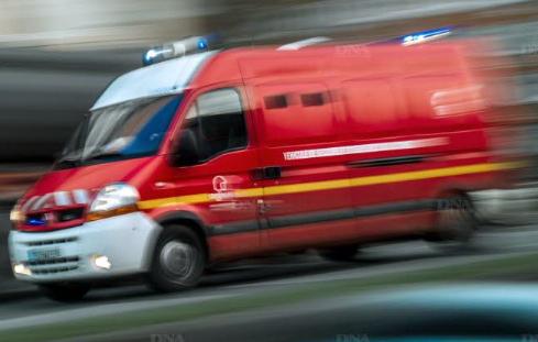 Un mort et quatre blessés graves vendredi dans une collision entre deux voitures près de Beauvoir-de-Marc