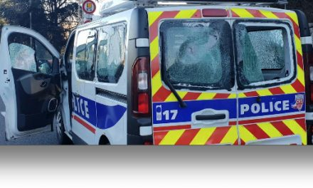De nombreuses réactions après le caillassage du fourgon de la CRS 45 sur l'A7, samedi à Lyon