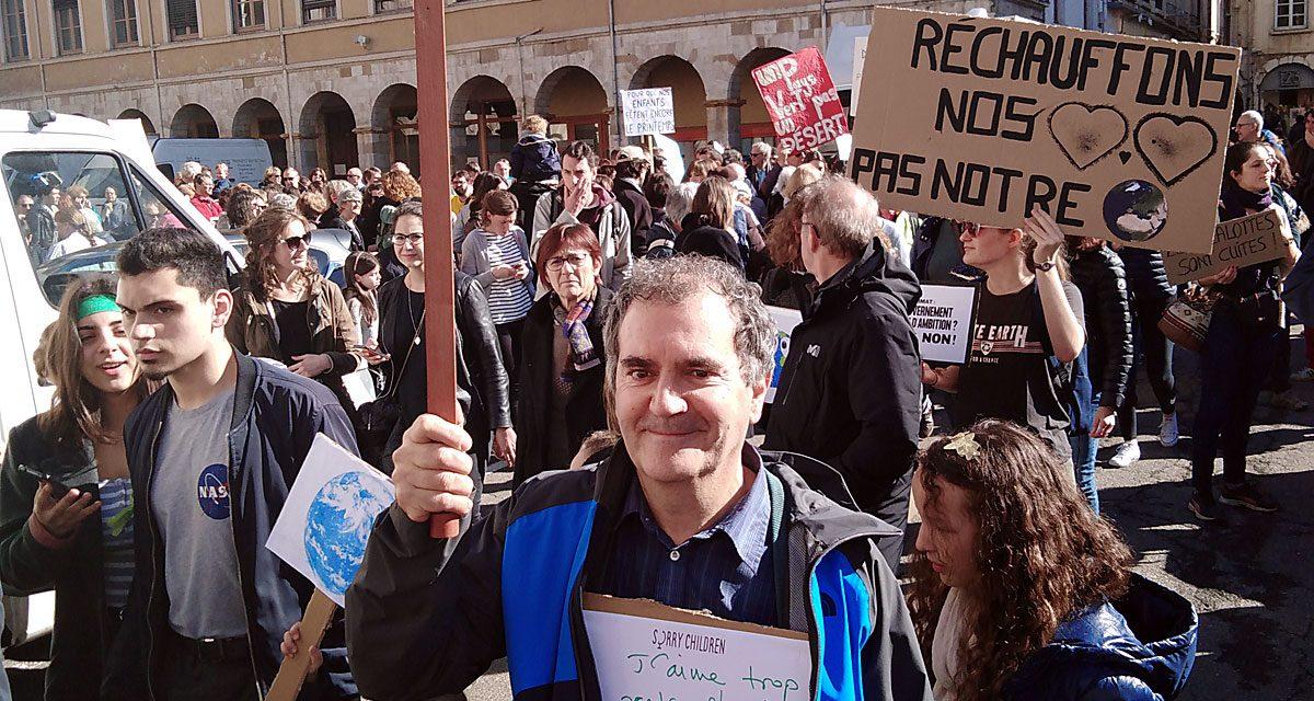 Ils étaient 500, toutes générations confondues : la manifestation pour le Climat mobilise les Viennois