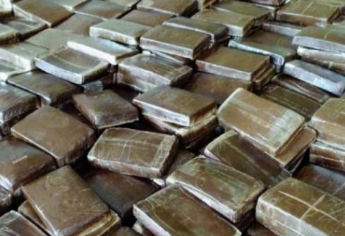 A 7: 82 kilos de cannabis découverts dans les congélateurs d'un fourgon sur l'aire d'Auberives-sur-Varèze
