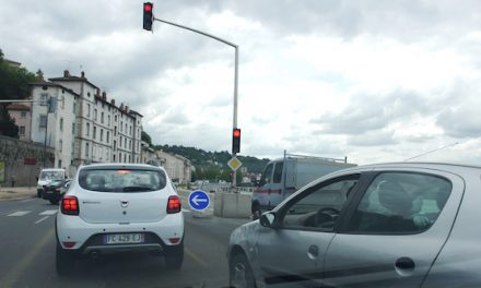 Week-end de l'Ascension en rouge : çà bouchonne déjà à Vienne et sur l'A7