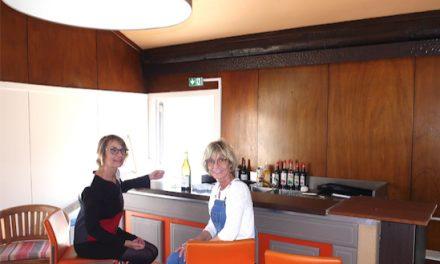 Avec son bar et son restaurant, l'ex-Hôtel du Midi devenu Mood'z à Pont-Evêque se veut ouvert sur la commune
