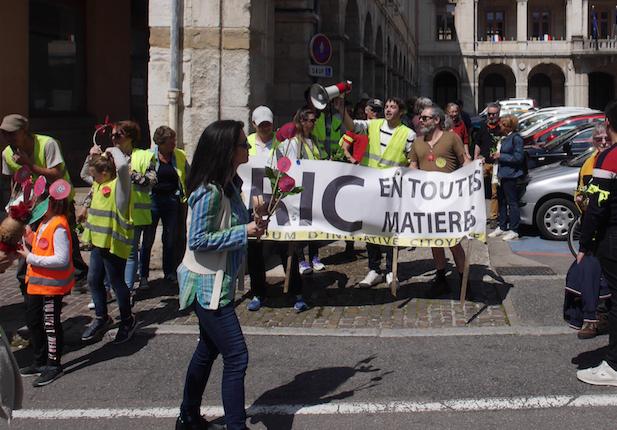 Manifestation du 1er mai à Vienne : une convergence Gilets jaunes, Gilets verts, mais pas rouges…