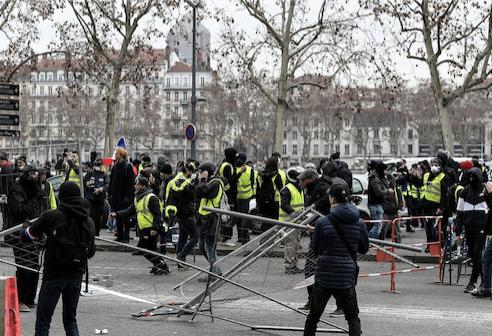 Manifestation nationale demain à Lyon pour l'Acte 26 des Gilets jaunes : le préfet élargit le périmètre d'interdiction