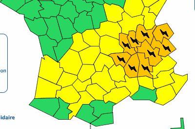 Neuf départements de la région Auvergne-Rhône-Alpes dont l'Isère et le Rhône en alerte orange aux orages
