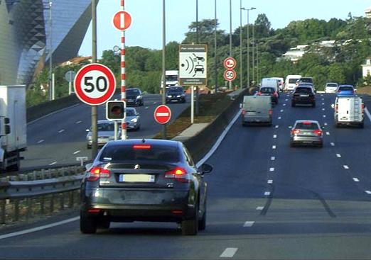 Attention, sur l'A7 au pont de la Mulatière, la vitesse est désormais limitée à 50 km/h, le radar a été modifié !