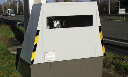 Prudence : mise en place d'un radar de chantier actif dans les 2 sens, sur l'A6 à la sortie de Lyon