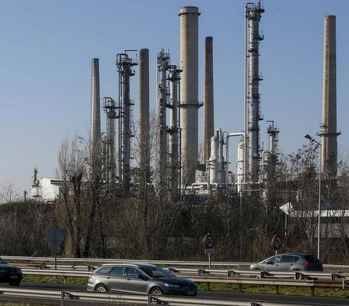 Risque de pénurie de carburant ? Suite à une grève très suivie, la raffinerie de Feyzin très bientôt à l'arrêt
