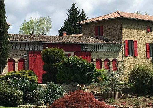 Plutôt haut de gamme : ouverture de chambres d'hôtes au Domaine de Gorneton à Chasse-sur-Rhône