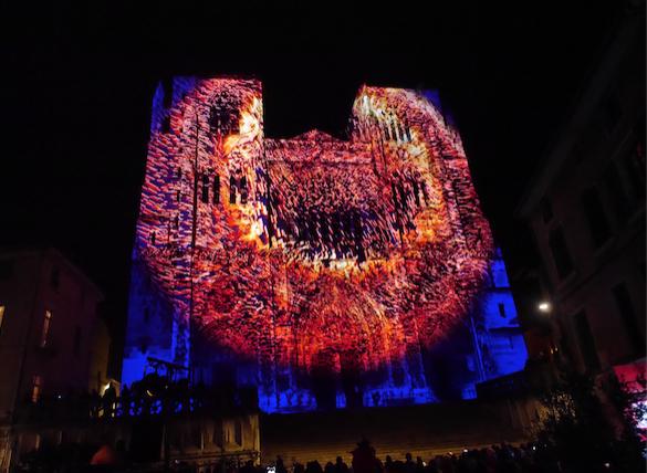 Près de 500 personnes pour assister au lancement de la cathédrale des Lumières à Vienne : les meilleurs moments