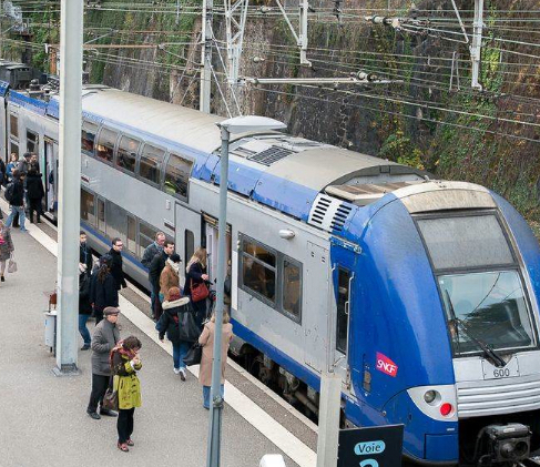 Grève à la SNCF : 1 TER sur 7, guère d'amélioration à attendre  demain mercredi 11 décembre