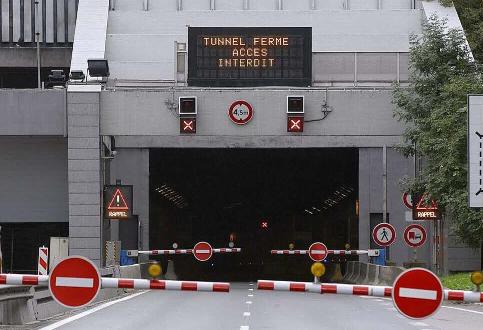 Un nouveau camion hors gabarit amène la fermeture temporaire du tunnel de Fourvière