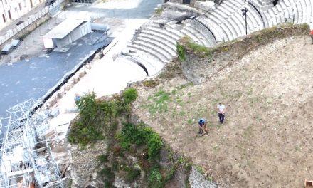 A Pipet : plantation de 2 500 pieds de vignes depuis aujourd'hui, au-dessus du théâtre antique de Vienne