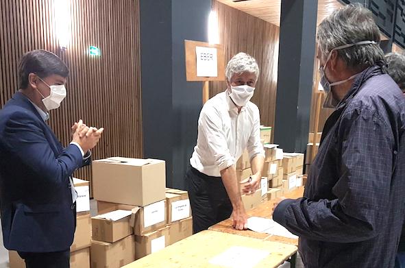 Laurent Wauquiez à Vienne pour distribuer des masques aux communes de moins de…2 000 habitants…