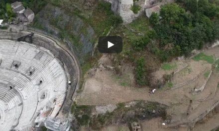 Vidéo :  spectaculaire, découvrez les vignes en cours de plantation à Pipet, au-dessus du théâtre antique de Vienne