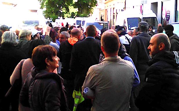 Mini-révolution ce matin sur le marché de Vienne : une réunion mardi en mairie pour régler le problème