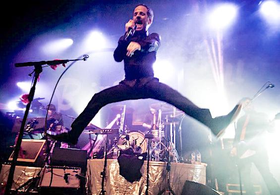 Le groupe de rock Dionysos reprogrammé le 17 septembre…2021 à Vienne. On peut déjà réserver…