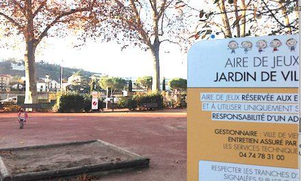L'aire de jeux du Jardin de ville à Vienne fermée, en attendant une nouvelle jeunesse…