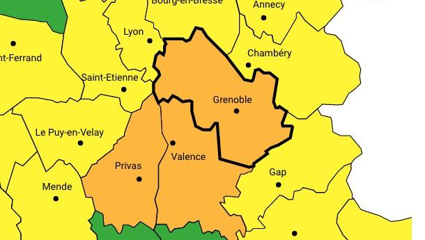 Vigilance orange : le 1er janvier pourrait bien commencer sous la neige en Isère et dans la vallée du Rhône