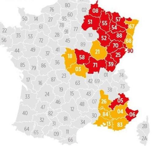 La Drôme passe aujourd'hui au couvre-feu à 18 h, l'Isère pourrait suivre