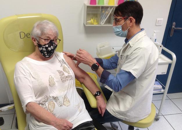 Vaccination à doses comptées : seulement 2 500 Isérois(e)s vaccinés dans les centres départementaux…