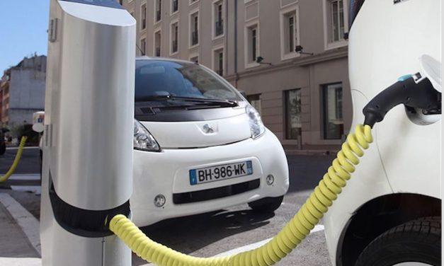 C'est la société Easy Charge qui la 1ère installera des bornes de recharge (22) pour voitures électriques à Vienne