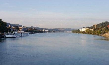 Trafic sur le Rhône: la chute libre, à la fois pour le transport de marchandises et pis encore pour les croisières