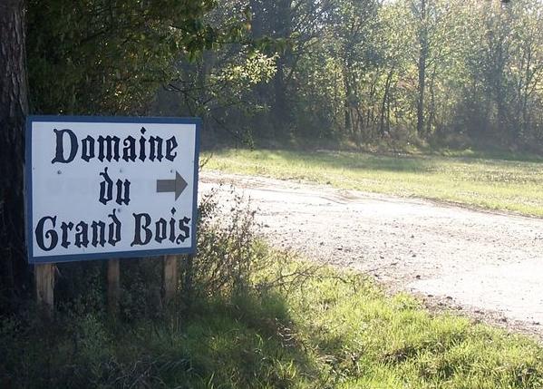 """Situé près de Vienne : racheté par Huttopia, le camping naturiste du """"Grand bois"""" (Tupin-Semons) va devenir textile"""