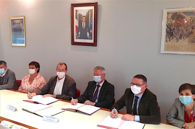 """La convention """"Petite Ville de demain"""" est signée : Chasse-sur-Rhône va pouvoir booster son développement"""