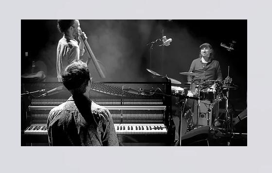 Jazz en Bièvre renoue enfin avec les concerts avec le Baptiste Bailly Trio etRoxane Arnal, le11 juin à Primarette